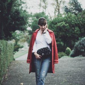 Comment être féminine en jean