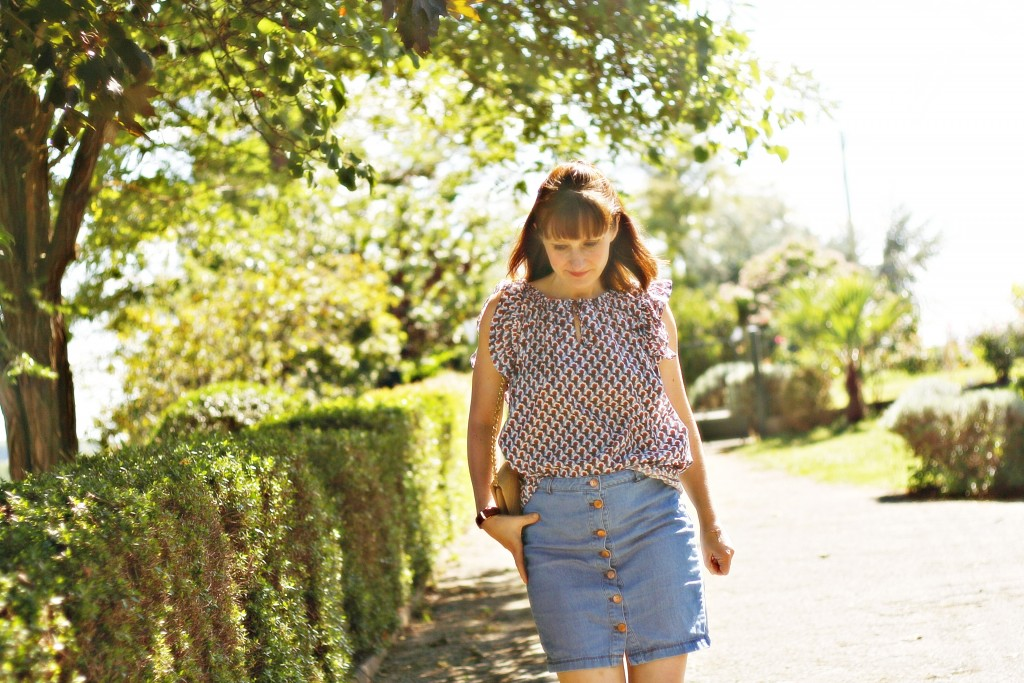 look-jupe-en-jean-boutonnee-blouse-paul-and-joe-sister-street-style-blog-de-mode