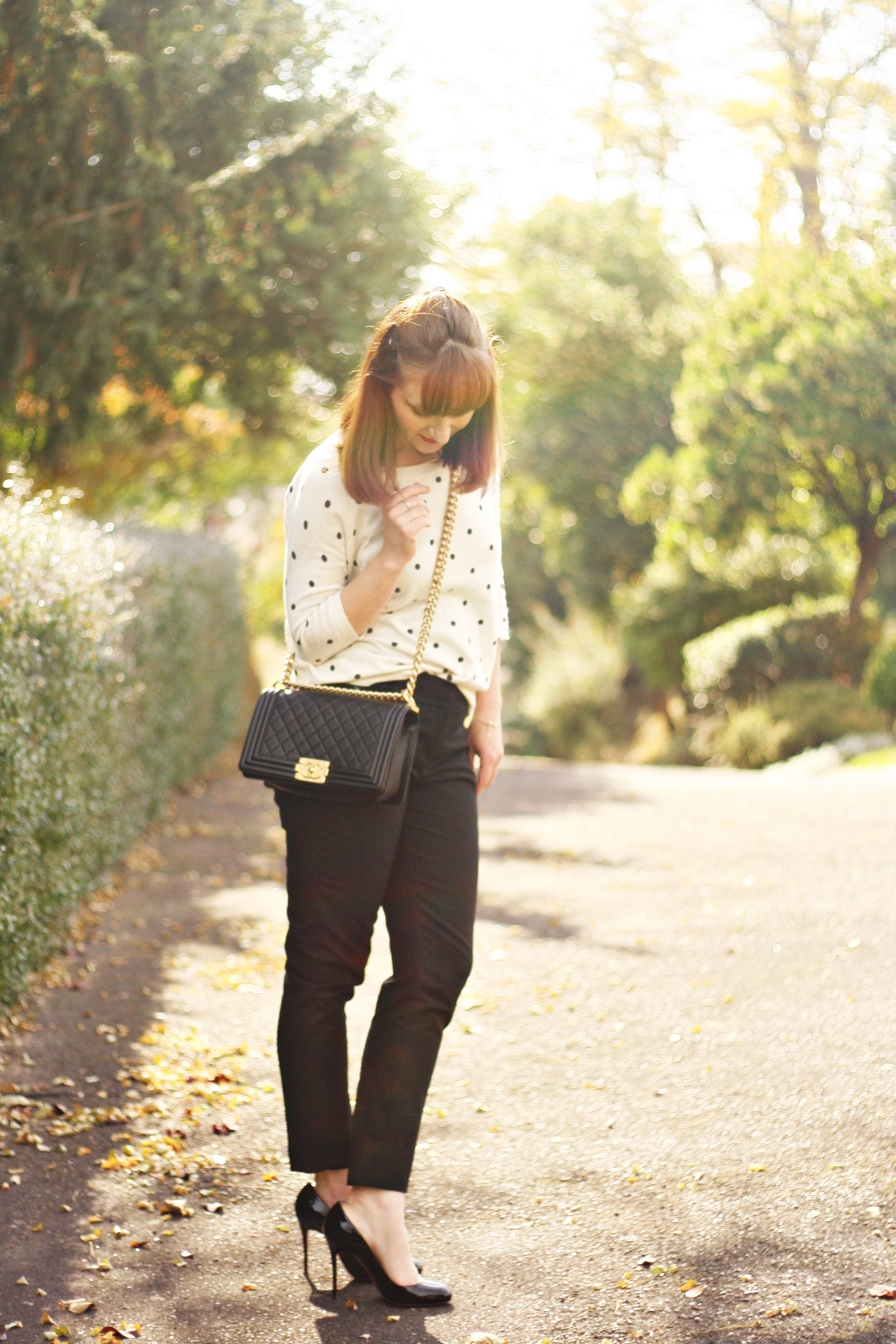 blog-mode-look-christian-louboutin-escarpins-fifi-sac-boy-chanel