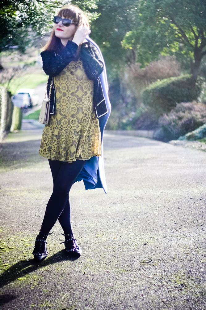 look-ballerines-valentino-rocksud-blog-mode-robe-dentelles-freepeople-chanel-vintage-beige-blogueuse-mode