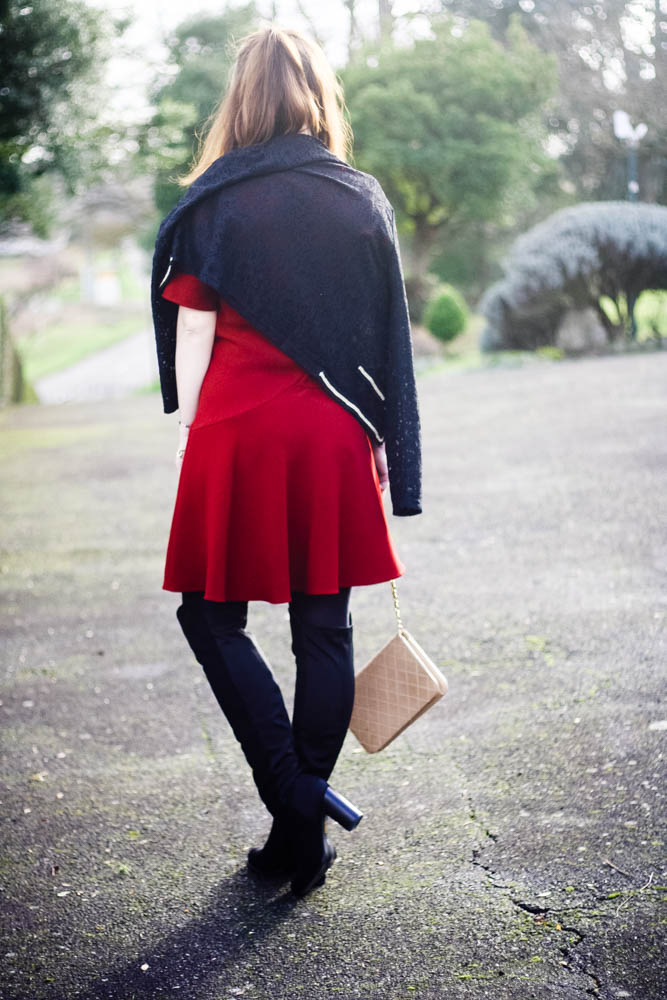 look-robe-rouge-pourpre-tarajarmon-sac-chanel-mademoiselle-blog-mode-look-robe-cuissardes