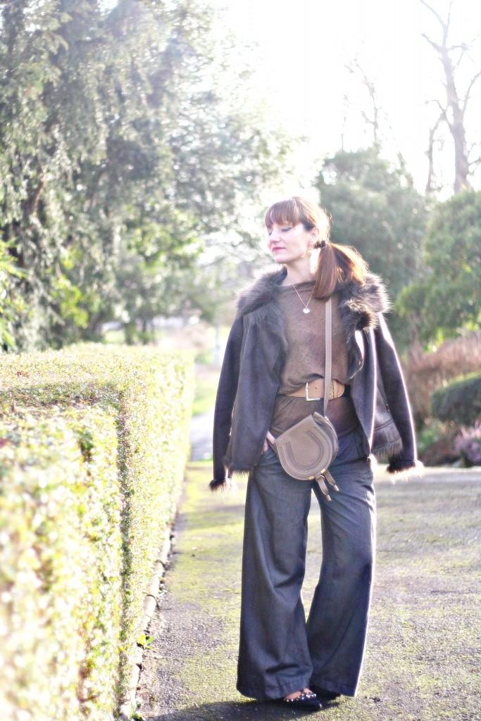 look-pantalon-laine-large-elegance-confort-pantalon-laine-blog-mode-valentino-rockstud-chloe-bag-marcie-drew