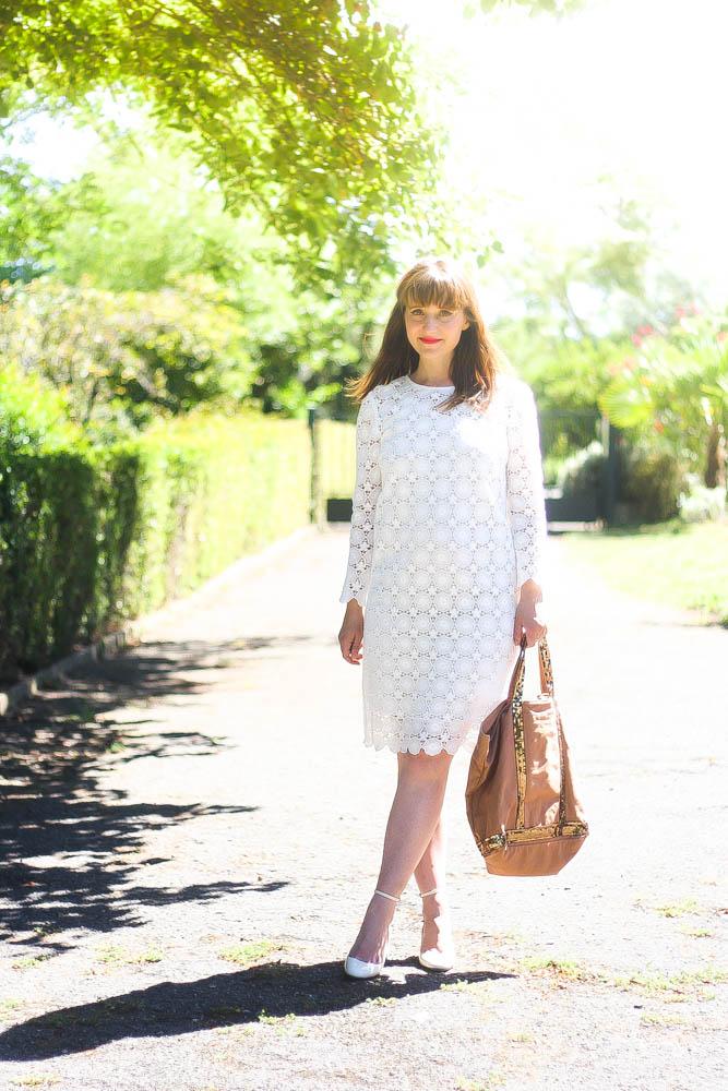 da2e13ecb9aa aurelia-blog-mode-robe-blanche-dentelles-valentino-tango- ...