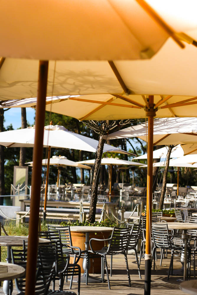 blogmode-voyage-lifestyle-restaurant-hotel-la-coorniche-arcachon-pyla-sur-mer-chanel-bag-charlotte-olympia-shoes