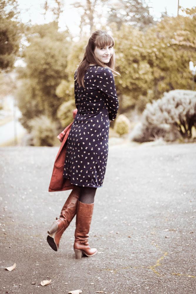 LOOK-robe-porte-feuille-robe-cache-coeur-antik-batik-bottes-blog-mode-toulouse
