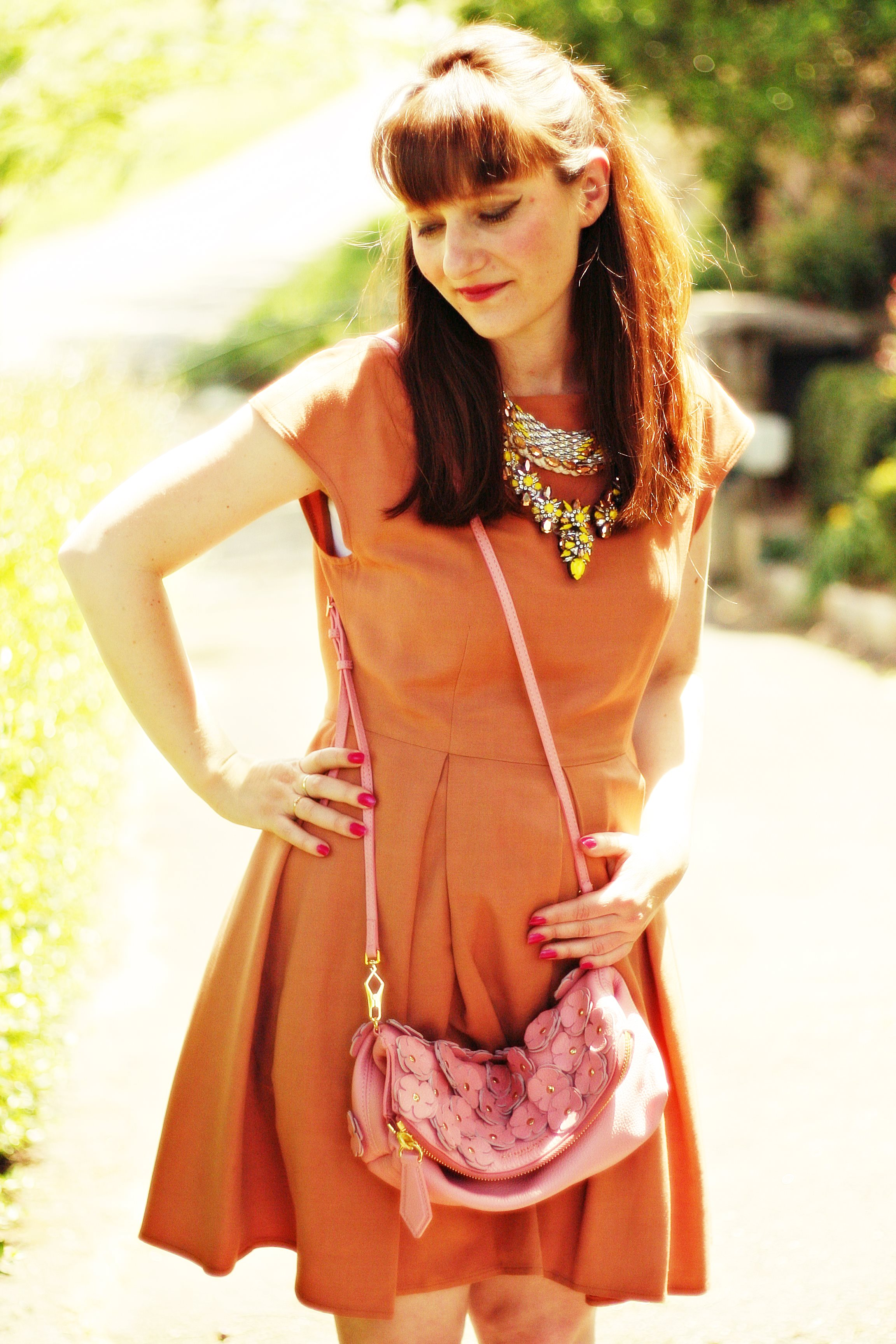 collier shourouk robe tara jarmon sac burberry blog mode aurelia