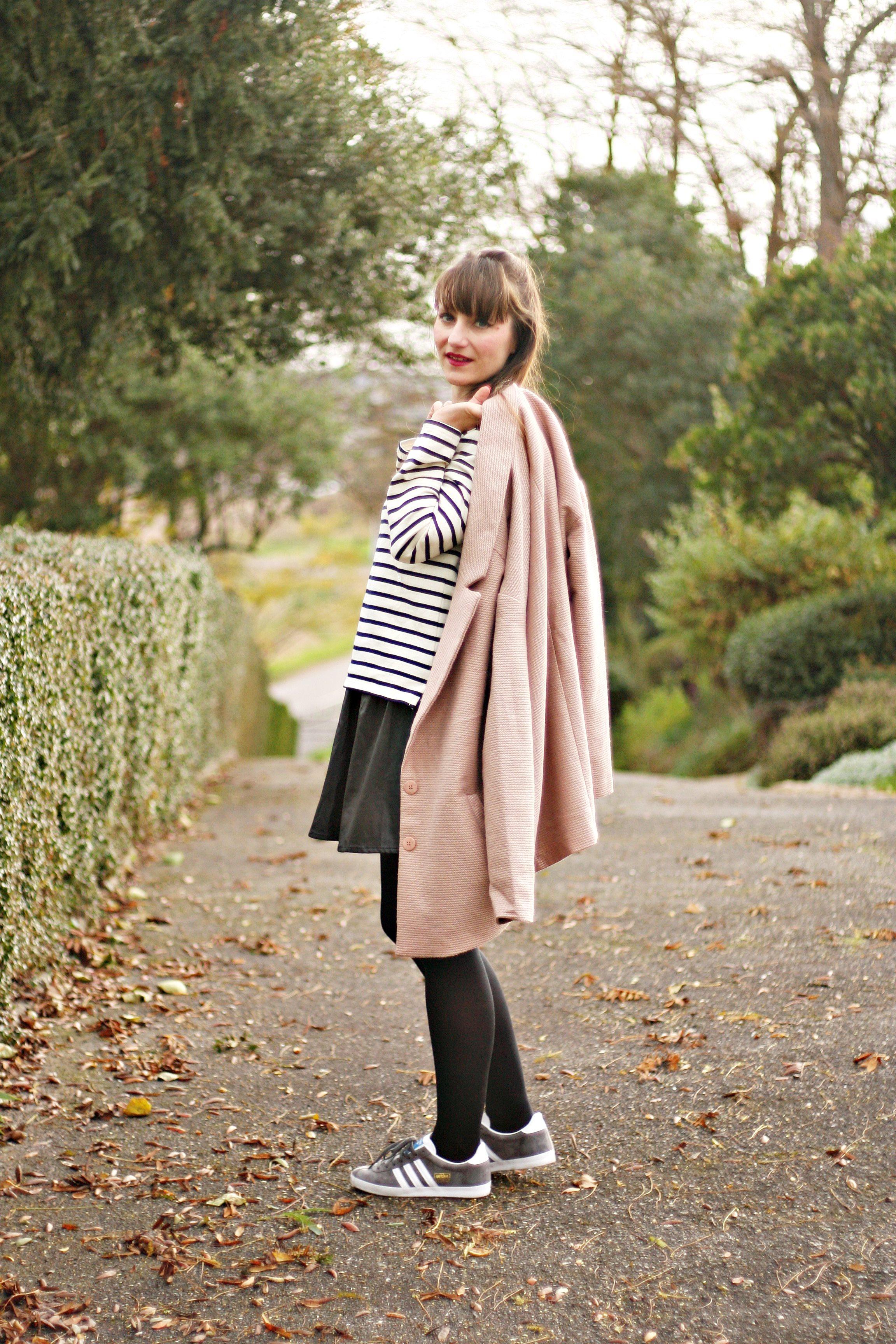 street style louis vuitton bucket petit modele blog mode look adidas gazelle