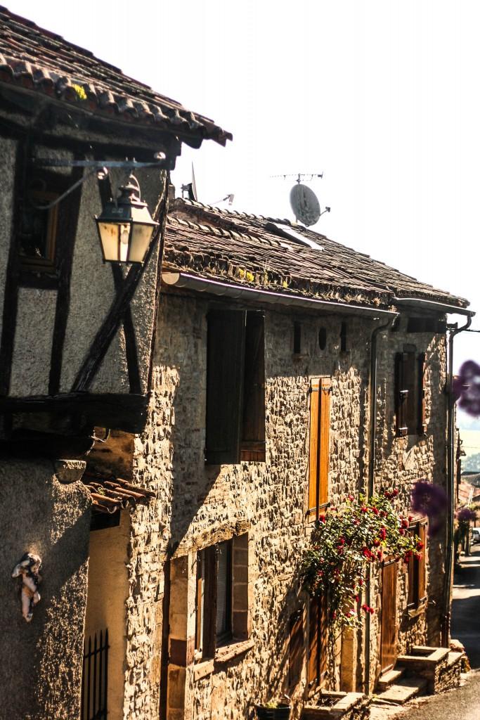 cordes-sur-ciel-village-prefere-des-francais-blog-voyage