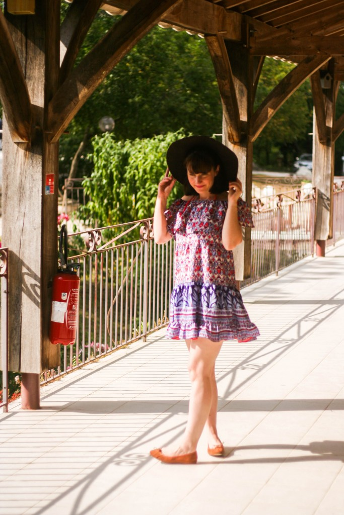 look-robes-volants-robe-ethnique-blog-mode-hotel-lauzerte-le-belvedere