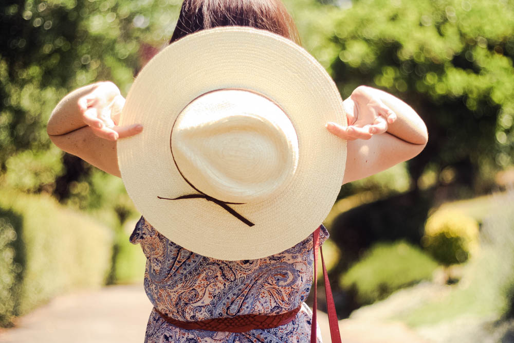 look-boheme-chapeau-robe-longue-headict