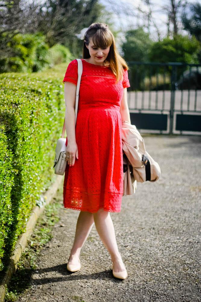 robe-dentelle-look-robe-rouge-trench-sam-edelman-shoes-blog-mode-femme-blogueusemode