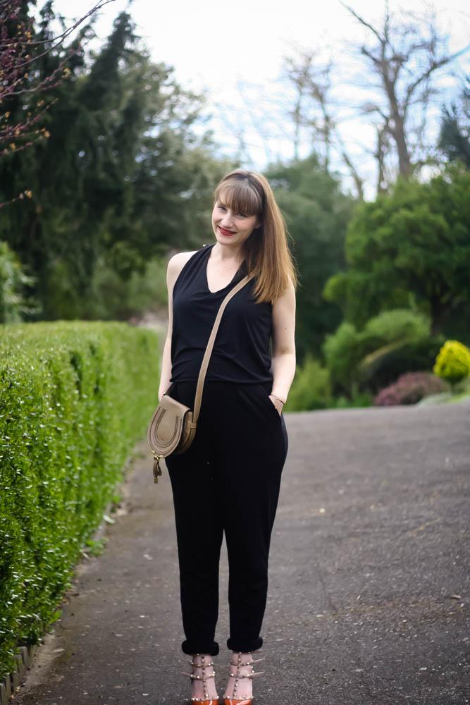 blog-mode-look-combi-noire-valentino-rockstud-sac-chloe-look-enceinte-grossesse-6-mois