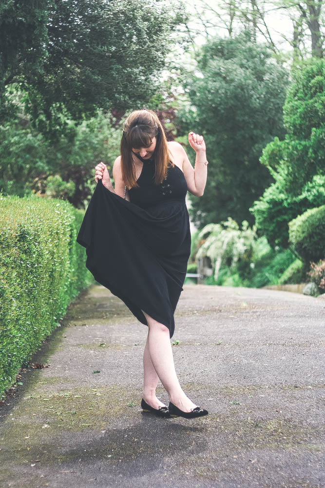 blog-mode-look-kittyflats-charlotte-olympia-sold-lace-dress-robe-midi-sac-chanel-2.55-blogueusemodetoulouse