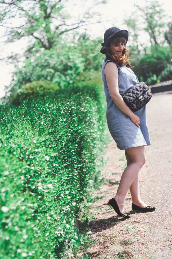 look-9mois-grossesse-idee-look-fin-de-grossesse-sac-chanel-ballerines-charlotte-olympia-s'habiller-en-ete-enceinte