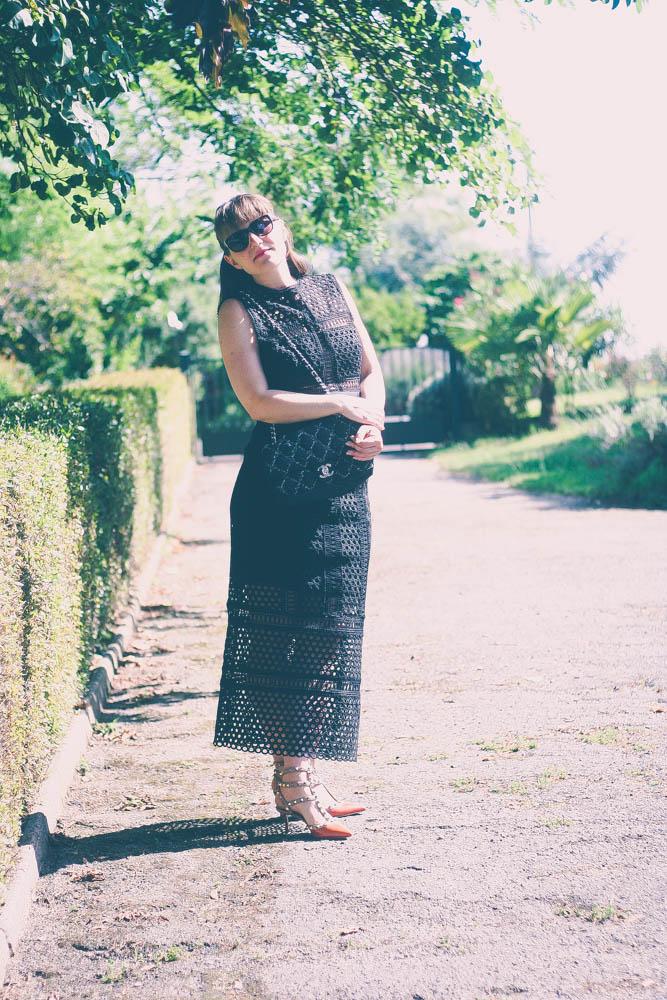 look-robe-self-portrait-studio-valentino-rockstud-escarpins-blog-mode-sac-chanel