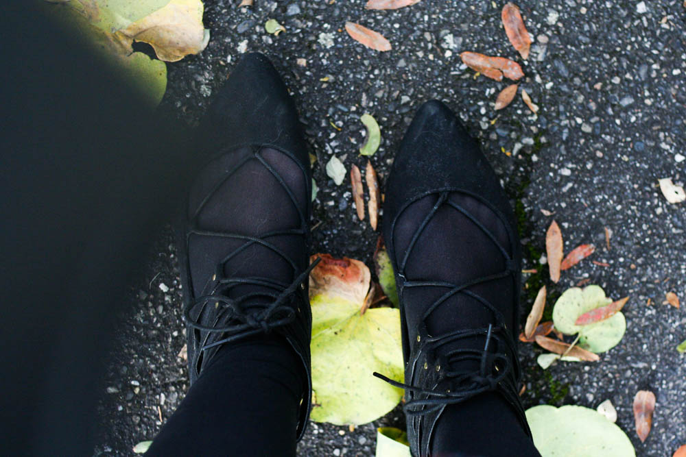 blog-mode-pull-sezane-sony-pull-fleurs-sac-chanel-self-portrait-ertsatz-aquazzura